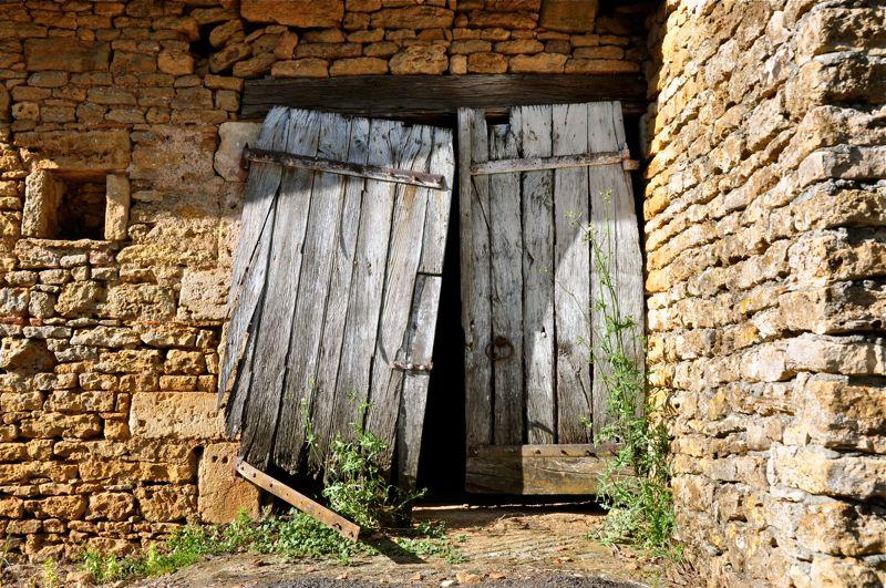 Quand les conomistes enfoncent une porte ouverte contresens - Fabriquer une porte de grange ...