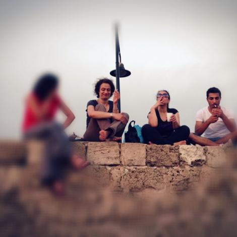 May lors de ses retrouvailles avec la poétesse May Al Jarah, avec Lina et Wasseem Al Haffar