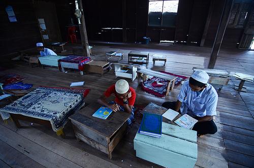 Des étudiants Malais musulmans au sein d'une école islamique, dans la province de Yala. © CC Udey Ismail.