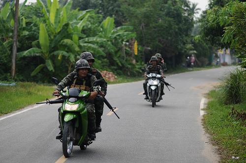 Des soldats en patrouille dans la province de Pattani. © CC Udey Ismail.