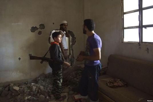 Un enfant soldat (c) Life for Syria