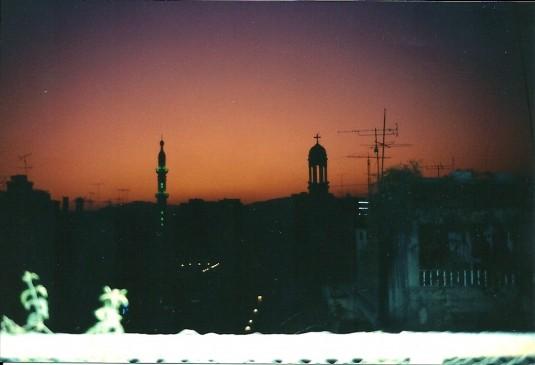 Damas 1989. Mosquée et église dans le ciel syrien parfumé de jasmins (c) Yasmina Tippenhauer