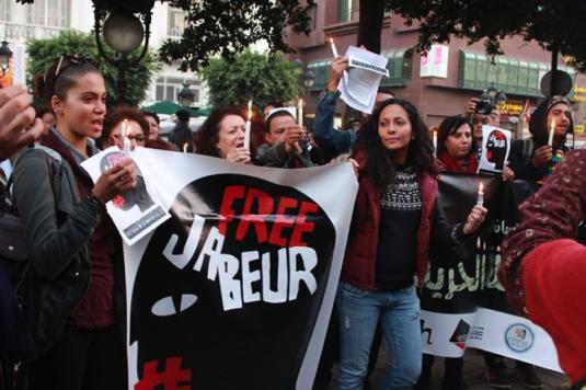 13 décembre 2013 : Manifestation de soutien à Jabeur Mejri (condamné à 7 ans de prison pour « atteinte à la morale, diffamation et perturbation de l'ordre public » après la publication de caricatures du prophète Mahomet sur Facebook) et à Weld El 15 (alias Alaa Yaakoubi, condamné puis relâché pour « outrage à des fonctionnaires, d'atteinte aux bonnes moeurs et de diffamation » après avoir écrit une chanson intitulé « les policiers sont des chiens (boulicia kleb) » » : http://www.webdo.tn/2013/12/14/affaire-jabeur-mejri-et-weld-el-15-la-mobilisation-monte-dun-cran/ (14 décembre 2013)