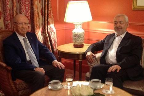 Rencontre entre Beji Caïd Essebsi (leader du parti Nidaa Tounes) et Rached Ghannouchi (leader du parti Ennahdha) à Paris en date du 17 août 2013, © www.mag14.com