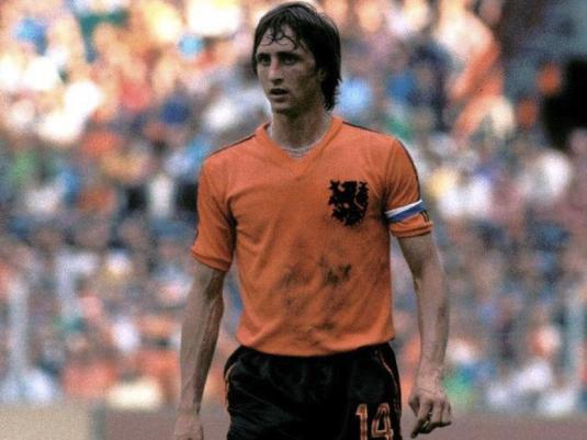 Johan Cruyff, Ballon d'Or à trois reprises et digne représentant du Totalvoetbal (sport24.figaro.com)