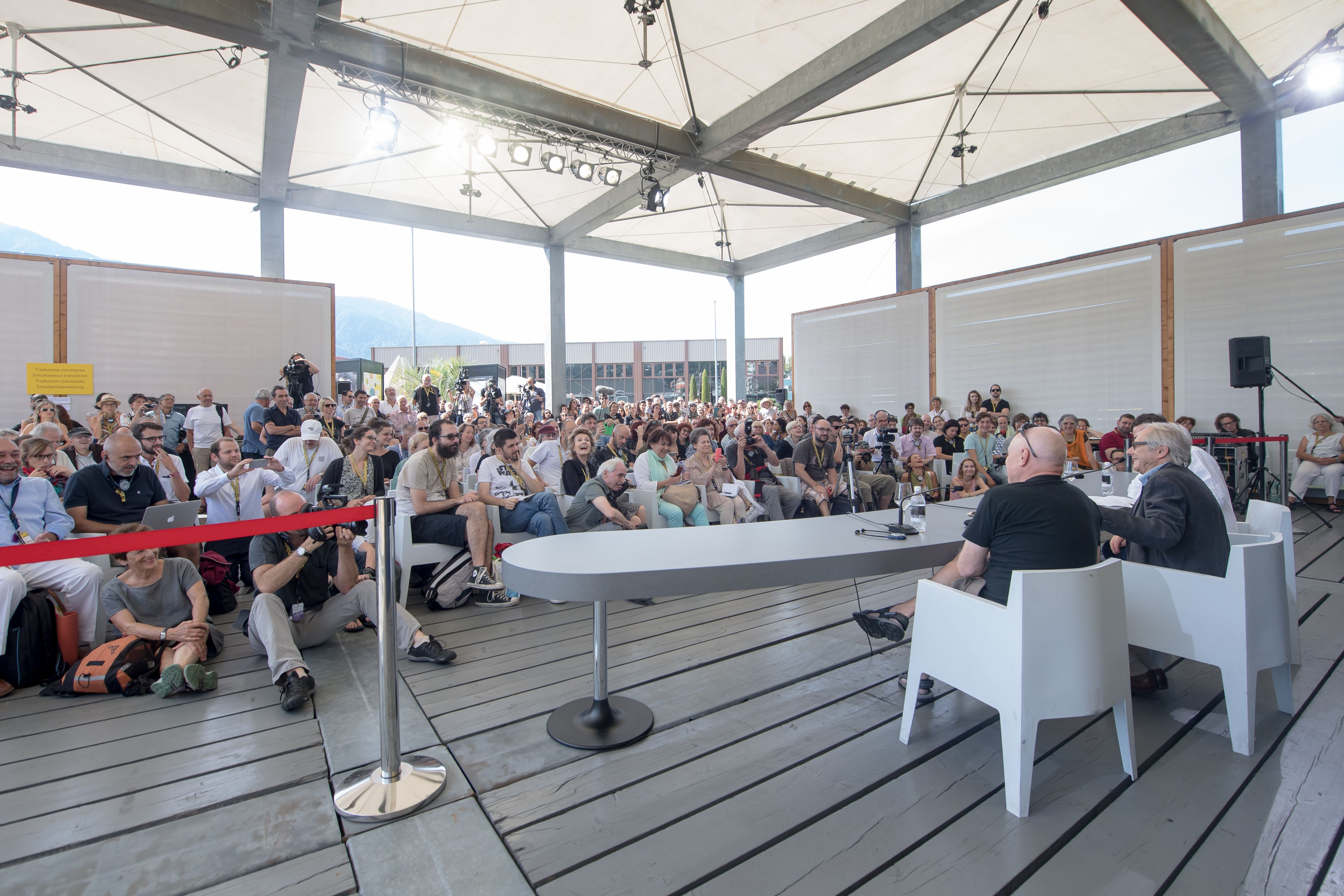 The Locarno conversation attracted a large assemblee eager for a conversation with the cineast. © Festival du film de Locarno / Pablo Gianinazzi