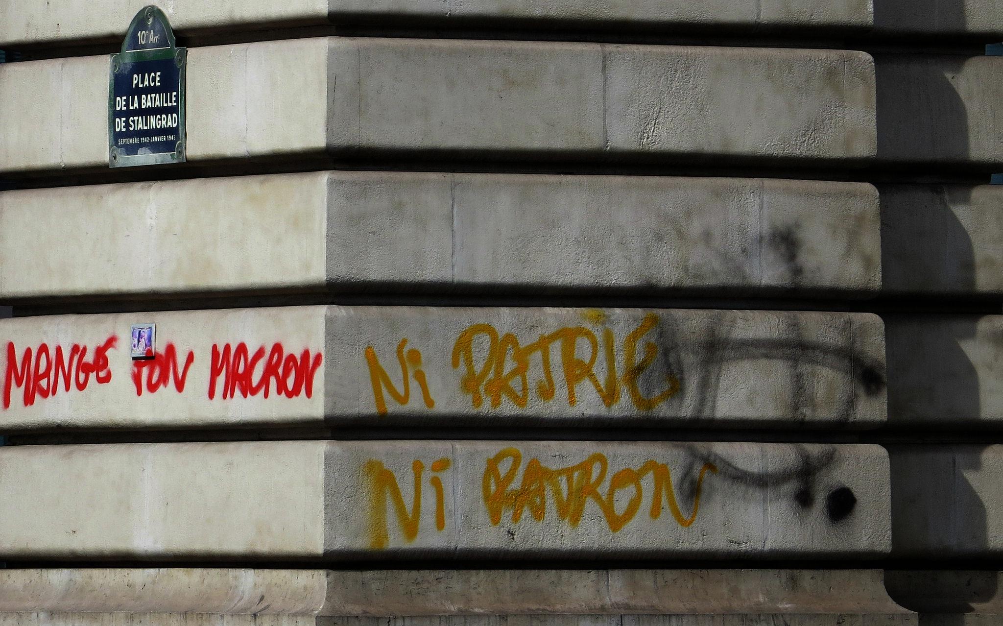 Ni patrie, ni patron, un slogan des partisans du « ni–ni » © doubichlou14