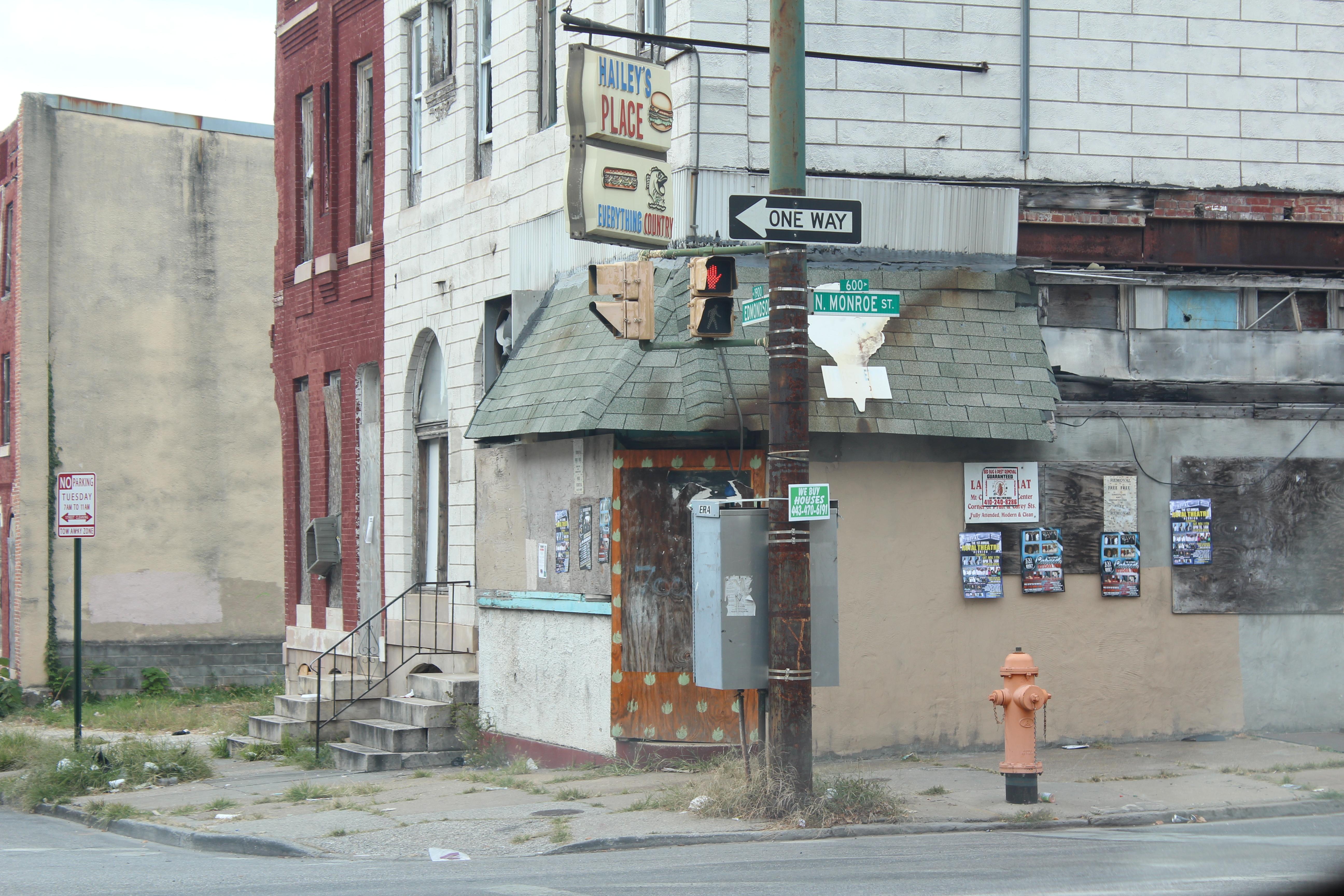 Enseigne vide à Baltimore. [E.Linder]