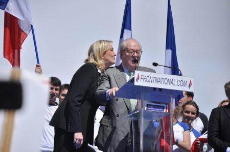 jet d'encre Surtout ne pas enterrer le clan Le Pen!
