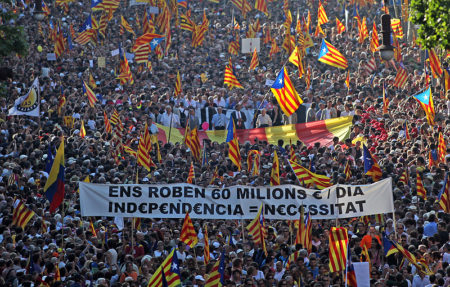 jet d'encre Identité, développement économique et État-providence : le triangle qui explique le nationalisme des riches en Europe