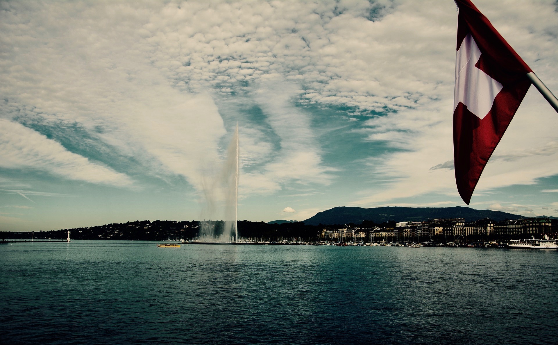 Pourquoi consacrer un dossier à la précarité en Suisse ?