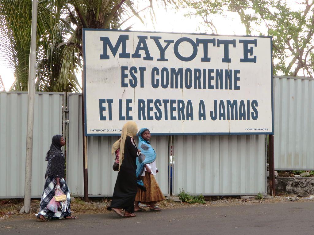 Regard critique sur la politique migratoire française dans l'archipel des Comores