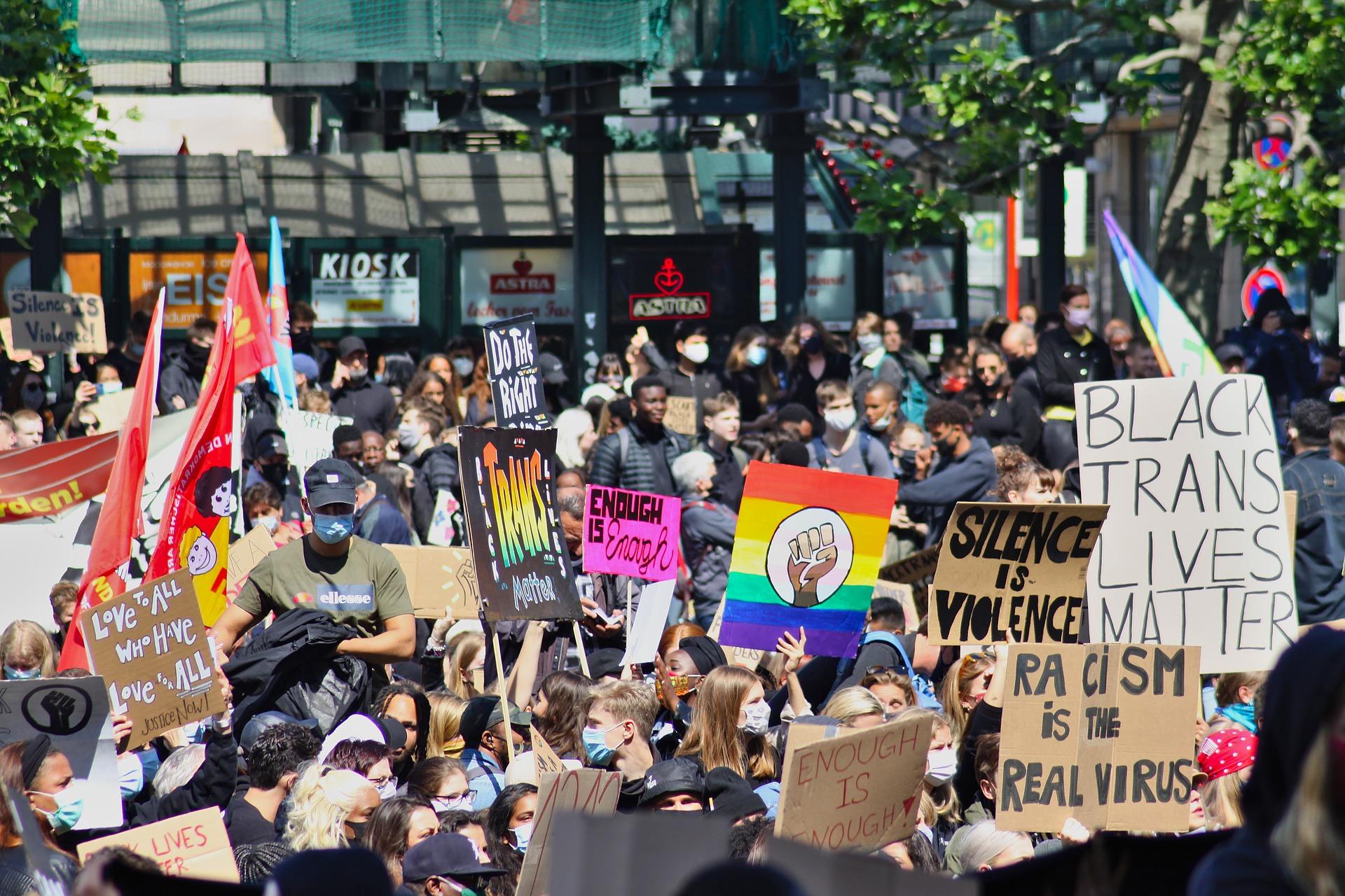 Manifestations antiracisme aux États-Unis : l'Europe doit faire preuve d'avant-gardisme politique