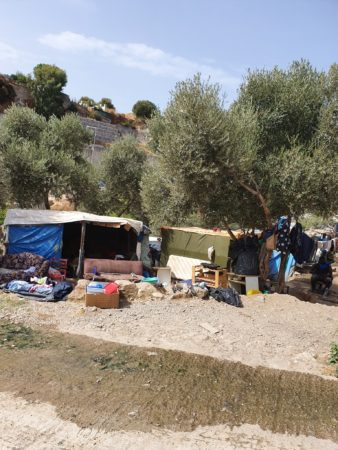 jet d'encre Le camp de réfugiés de Samos entre (dés)espoir et pandémie